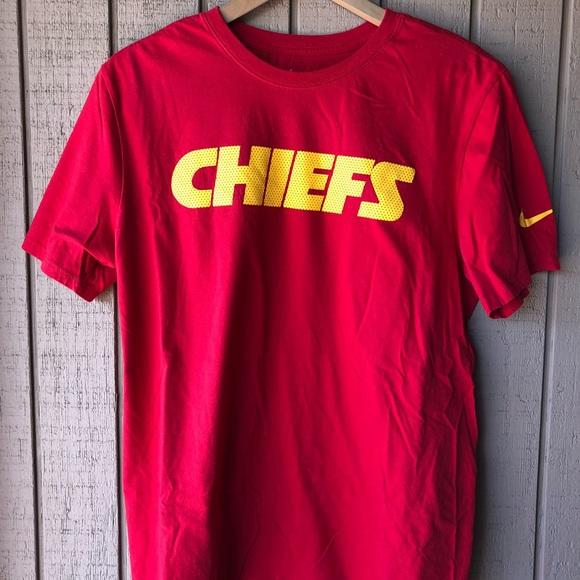 5582965d0 Kansas City Chiefs Nike Shirt Size Large. M 5b4b6a0ede6f62ee4b3ed88b